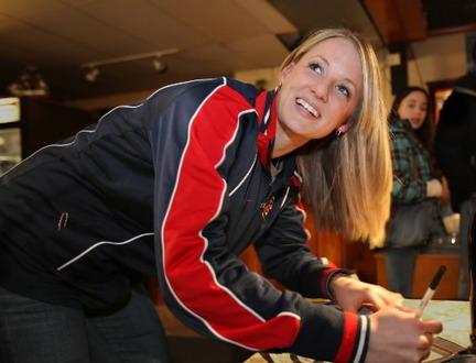brianne-mclaughlin-hockey-goalie-olympicsjpg-c0f616af416d2c85_large