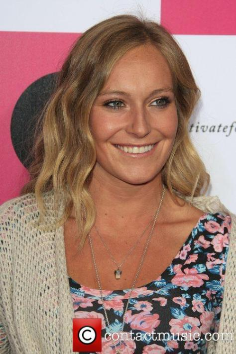 jamie-anderson-billabongs-6th-annual-design-for_4008009